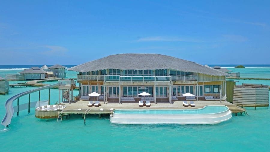 Source :  https://edition.cnn.com/travel/article/soneva-jani-maldives/index.html