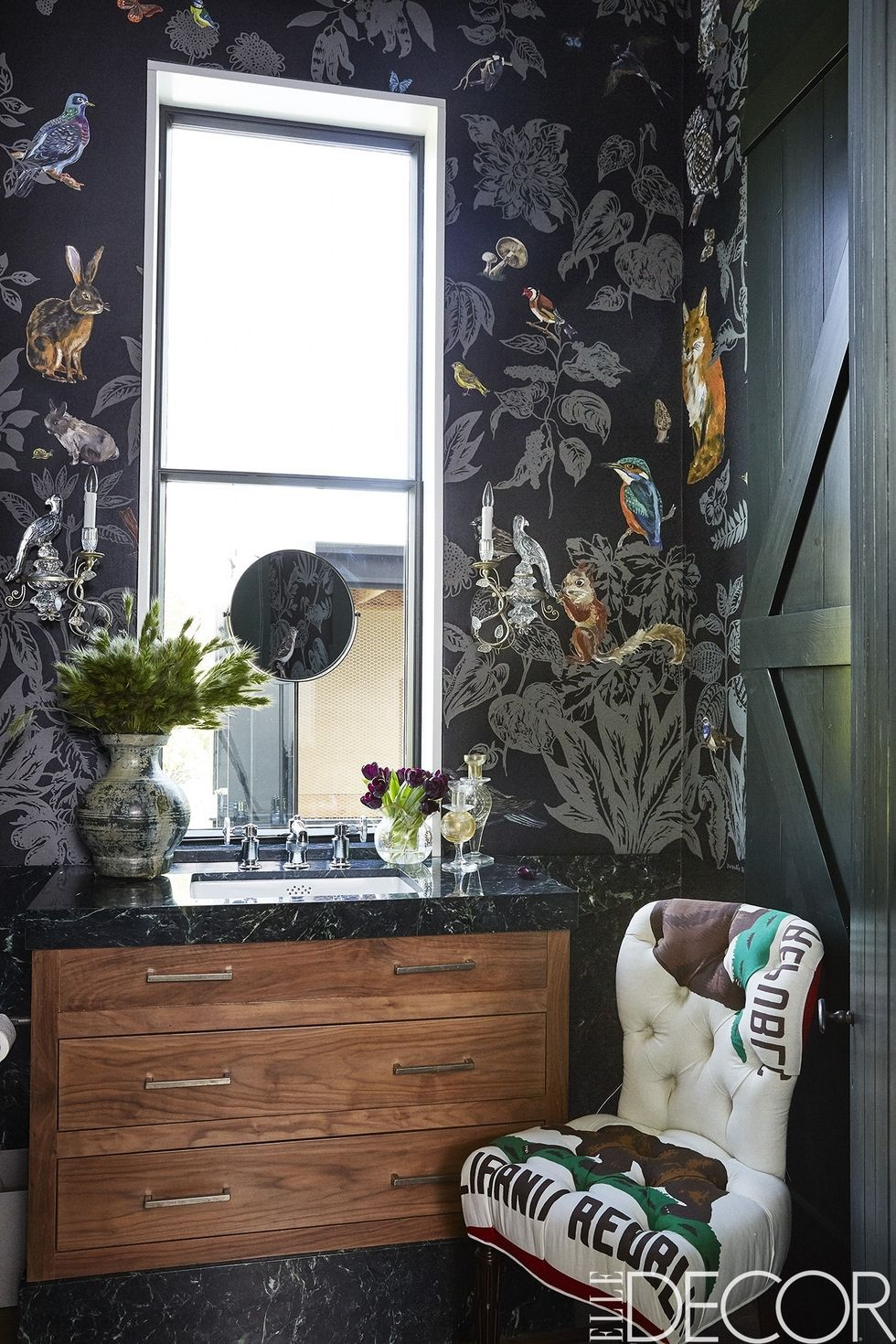 Source :  https://www.elledecor.com/design-decorate/room-ideas/g3208/wallpaper-design-ideas/?slide=4       WALLPAPER 2.0   This is a new era for wallpaper. This year trend involves wallpaper with a whole new level of coolness, printed digitally and has endless design options. The colors are more saturated and most of the times come with unique patterns that you just can't find in the traditionally produced papers. Well-picked wallpaper gives some accent to the less attractive space like the entryway.