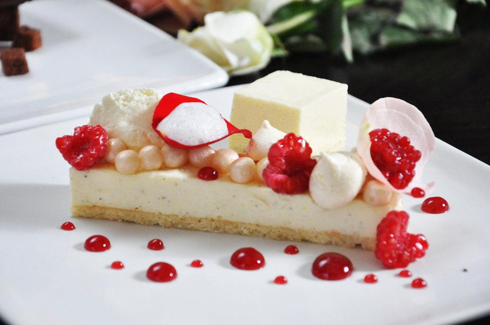 Source :http://jktgo.com/events/an-unforgettable-valentines-at-lyon-restaurant/