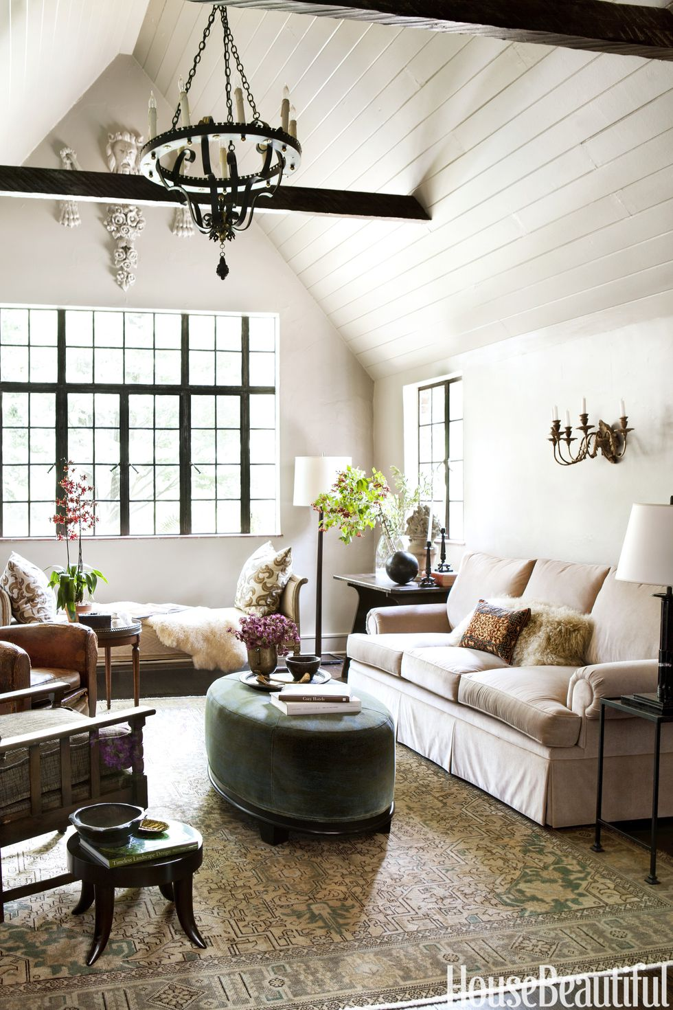 Source : https://www.housebeautiful.com/design-inspiration/house-tours/g4141/shon-parker-atlanta-house/?slide=5