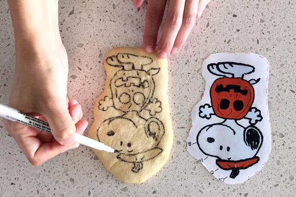 Peanuts Halloween Marker on Cookie