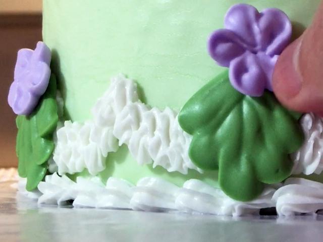 vintage violet cake 09