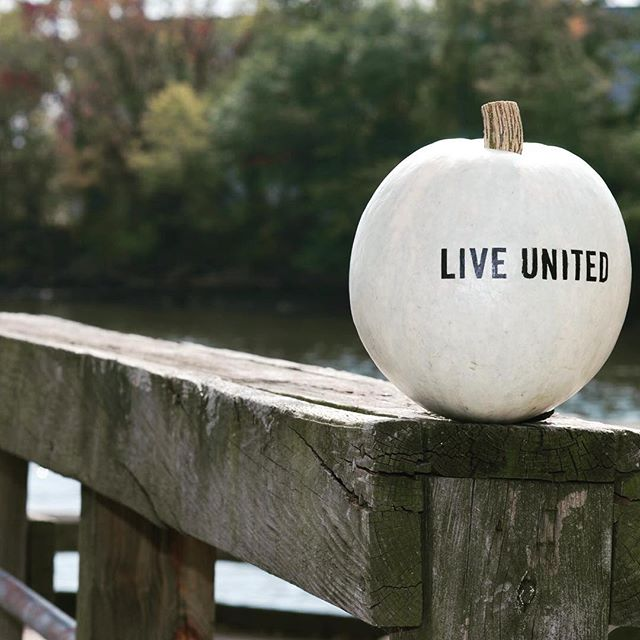 It's #liveunited week. 5% of all specialty drink sales this week will go to the Grove City Area United Way  #liveunited #unitedway #iheartthrgrove #giveback #community