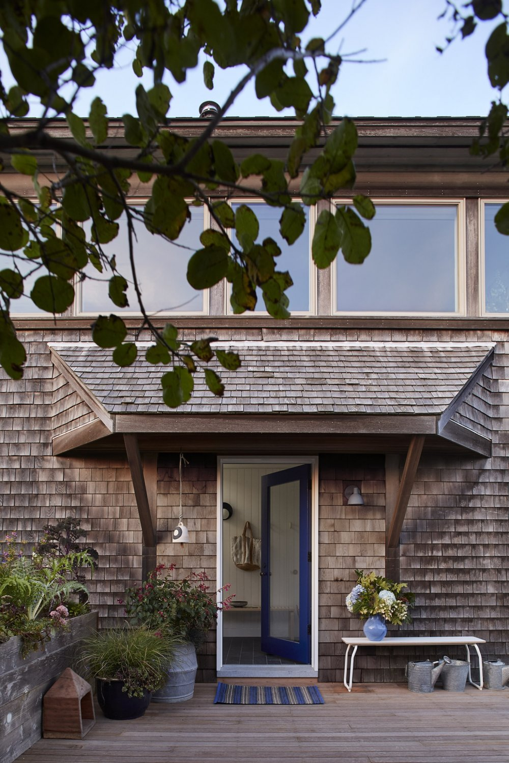 entryway-chilmark-cottage-shingle-blue-door-1466x2199.jpg