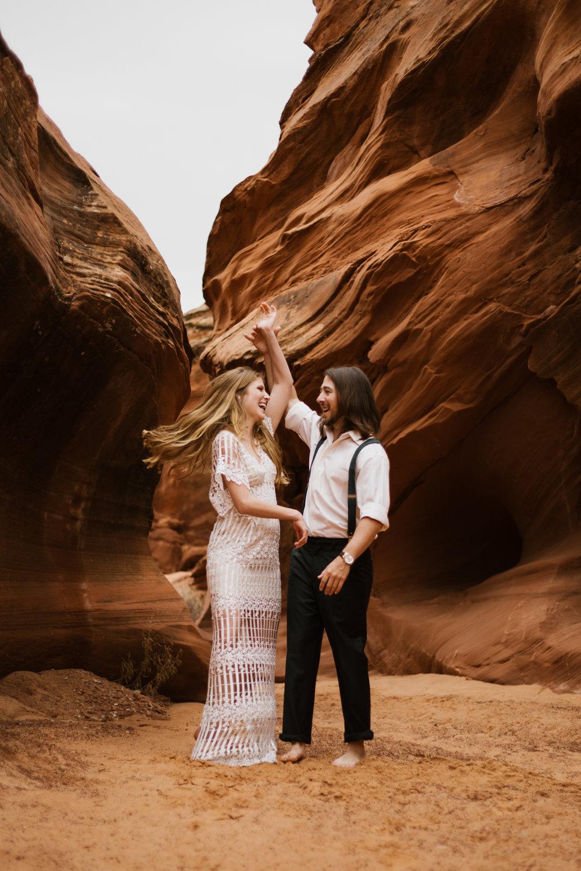 horseshoe-bend-slot-canyon-engagements-11.jpg