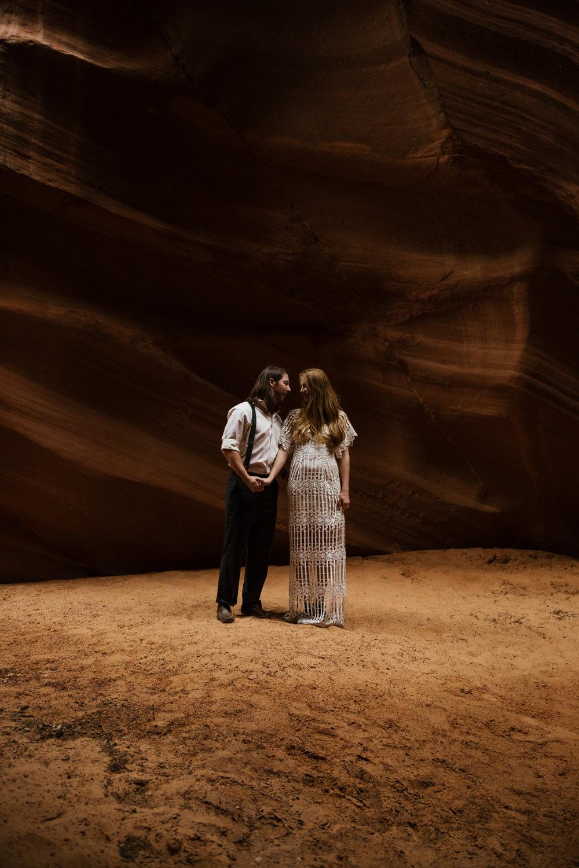 horseshoe-bend-slot-canyon-engagements-25.jpg