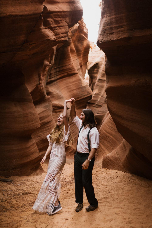 horseshoe-bend-slot-canyon-engagements-31.jpg