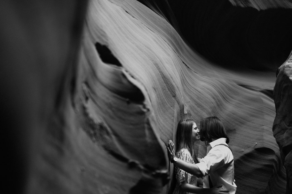 horseshoe-bend-slot-canyon-engagements-BW-2.jpg