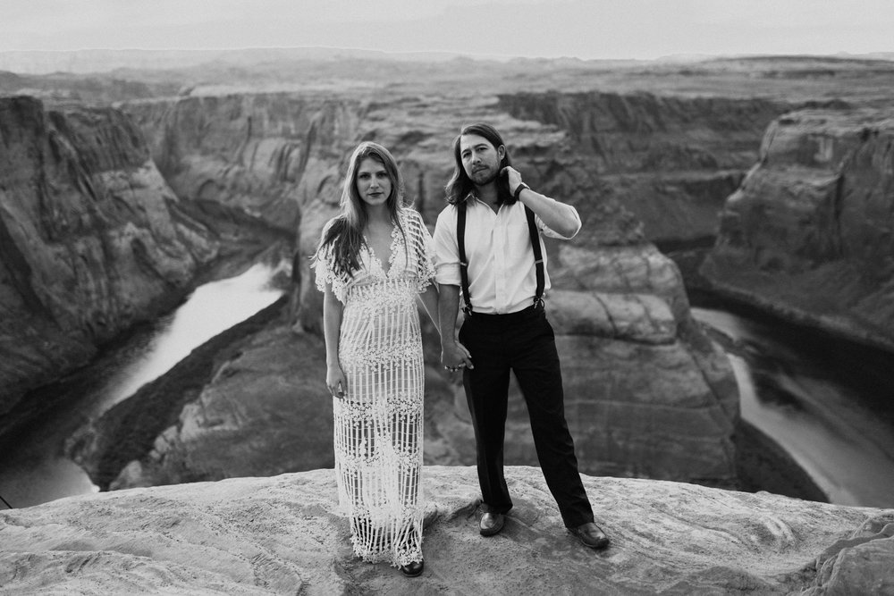 horseshoe-bend-slot-canyon-engagements-BW-6.jpg