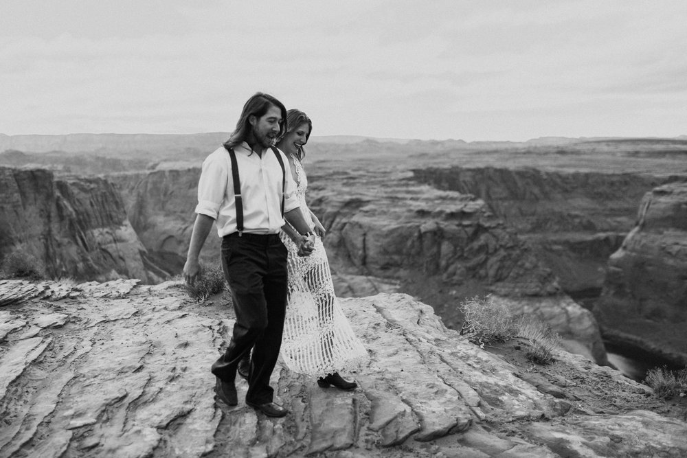 horseshoe-bend-slot-canyon-engagements-BW-9.jpg