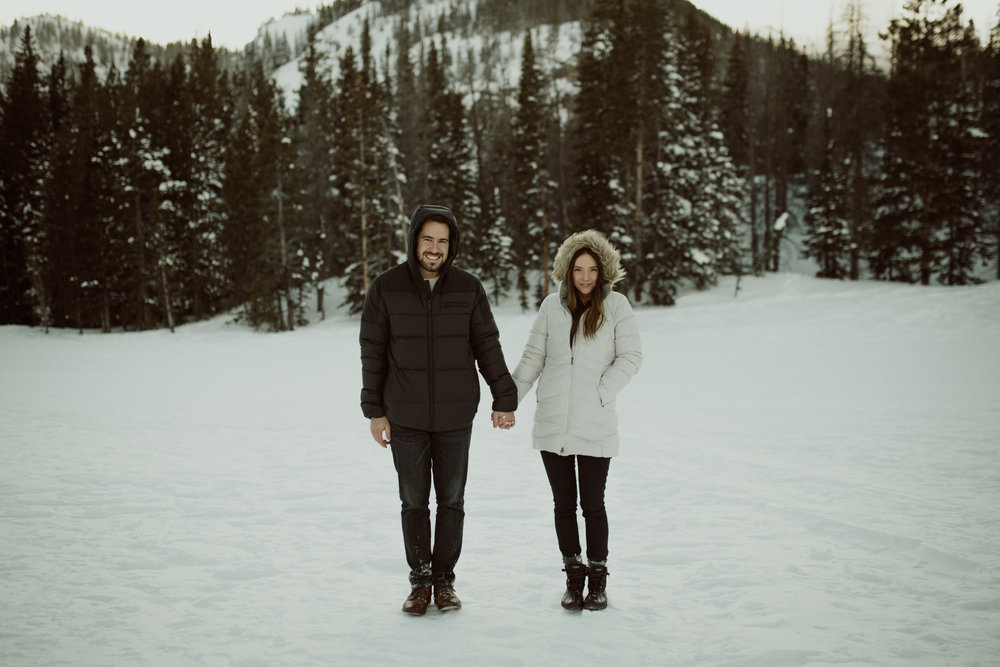 winter-rocky-mountain-national-park-engagements-14.jpg
