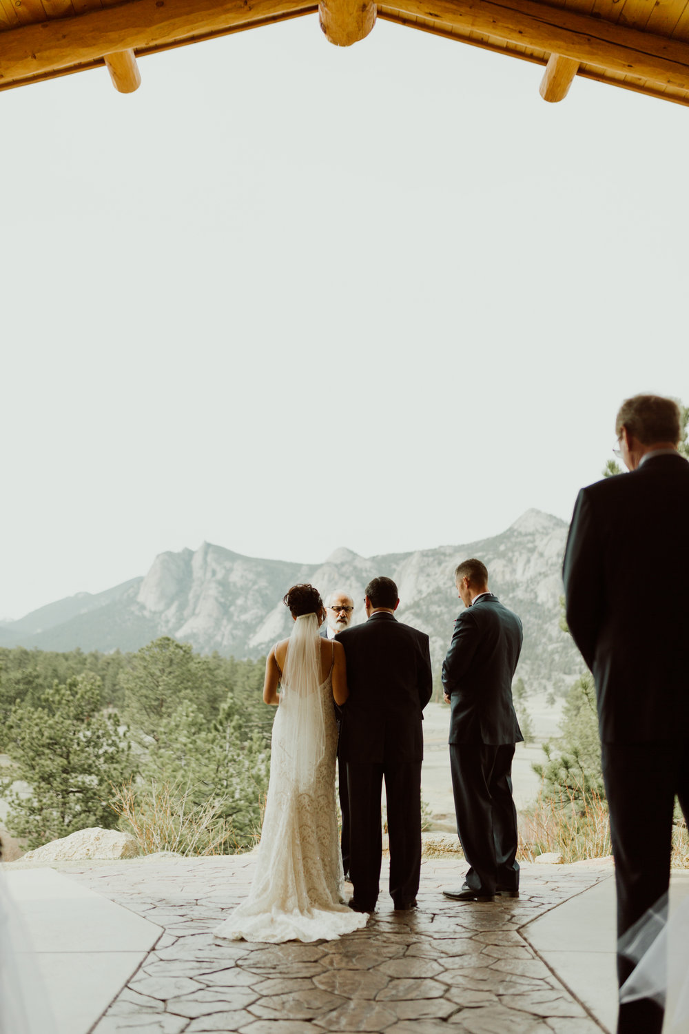 estes-park-intimate-mountain-wedding-1039.jpg