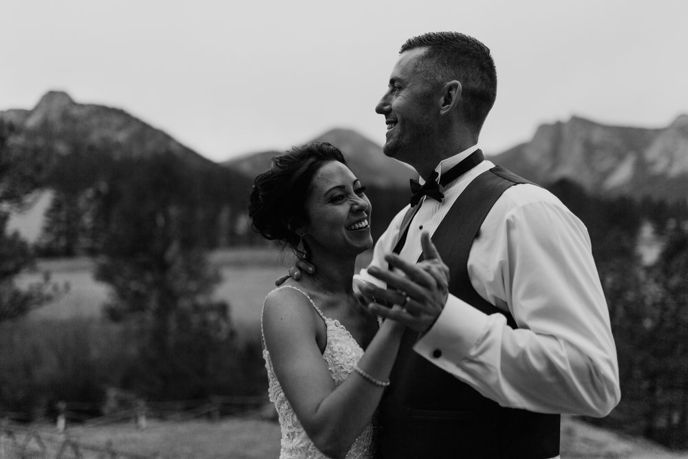 estes-park-intimate-mountain-wedding-1071.jpg