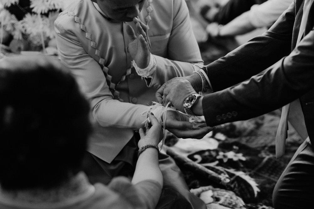 colorado-vietnamese-laotian-traditional-wedding-39.jpg