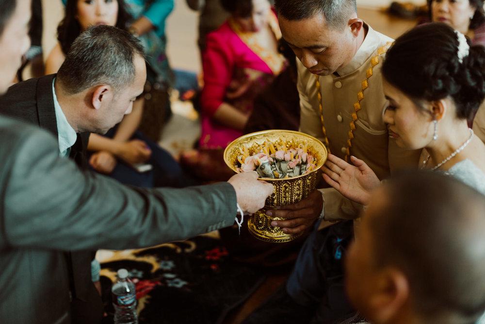 colorado-vietnamese-laotian-traditional-wedding-41.jpg