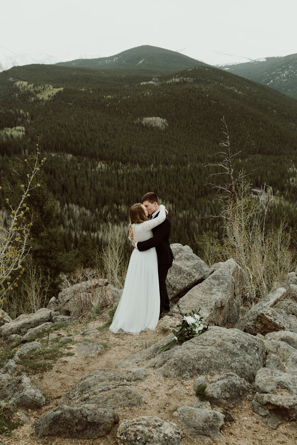 colorado-mount-evans-intimate-adventurous-elopement-13.jpg