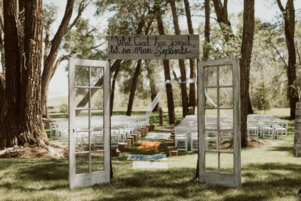 cedarandpines-sunny-wyoming-mountain-wedding-6.jpg