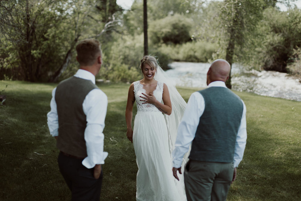 cedarandpines-sunny-wyoming-mountain-wedding-11.jpg