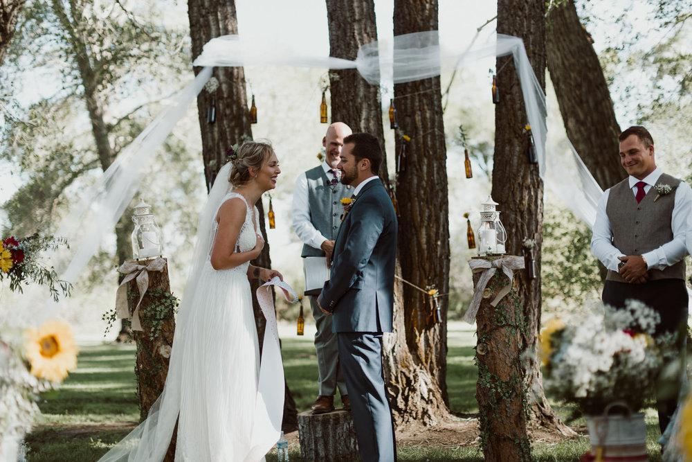 cedarandpines-sunny-wyoming-mountain-wedding-17.jpg