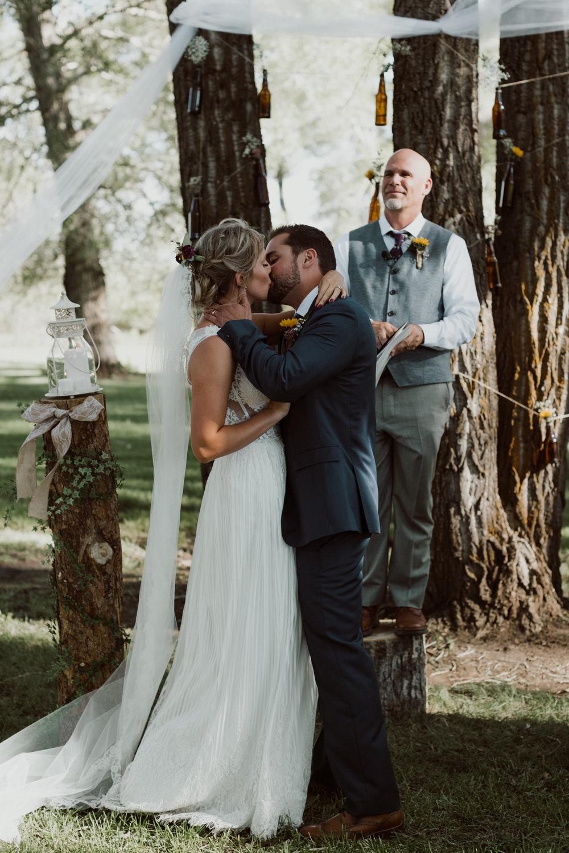 cedarandpines-sunny-wyoming-mountain-wedding-18.jpg
