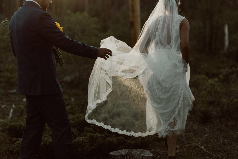 cedarandpines-sunny-wyoming-mountain-wedding-25.jpg
