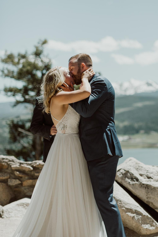 intimate-breckenridge-mountain-wedding-17.jpg