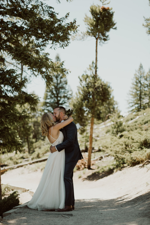 intimate-breckenridge-mountain-wedding-18.jpg