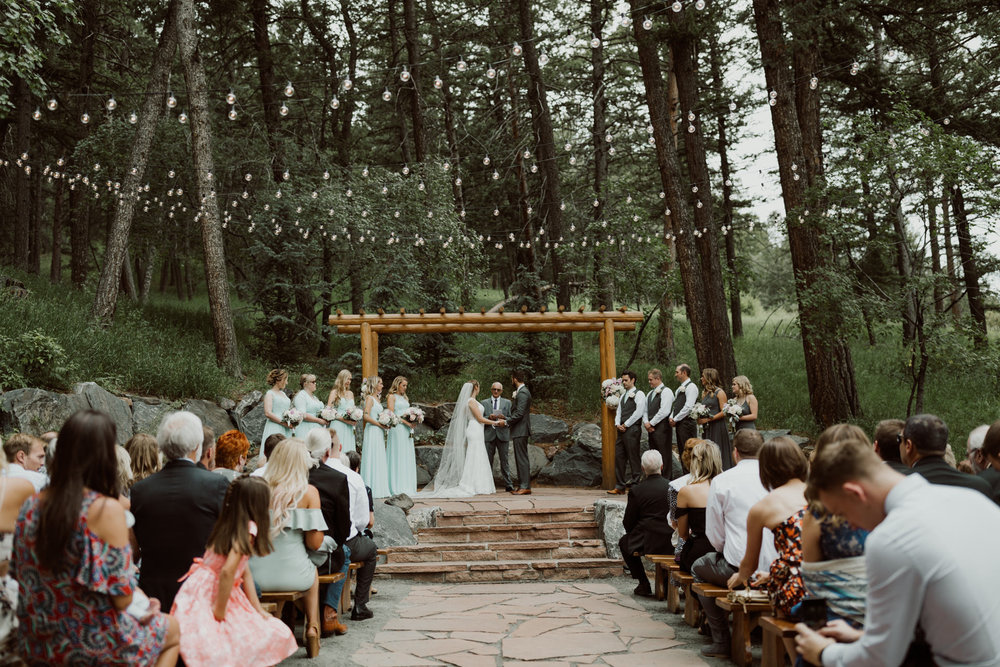 cedarandpines_intimate-colorado-forest-wedding-15.jpg