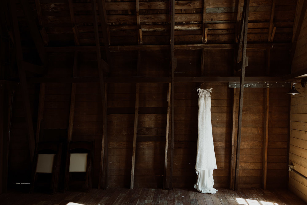 cedarandpines_washington-state-farm-wedding-1.jpg