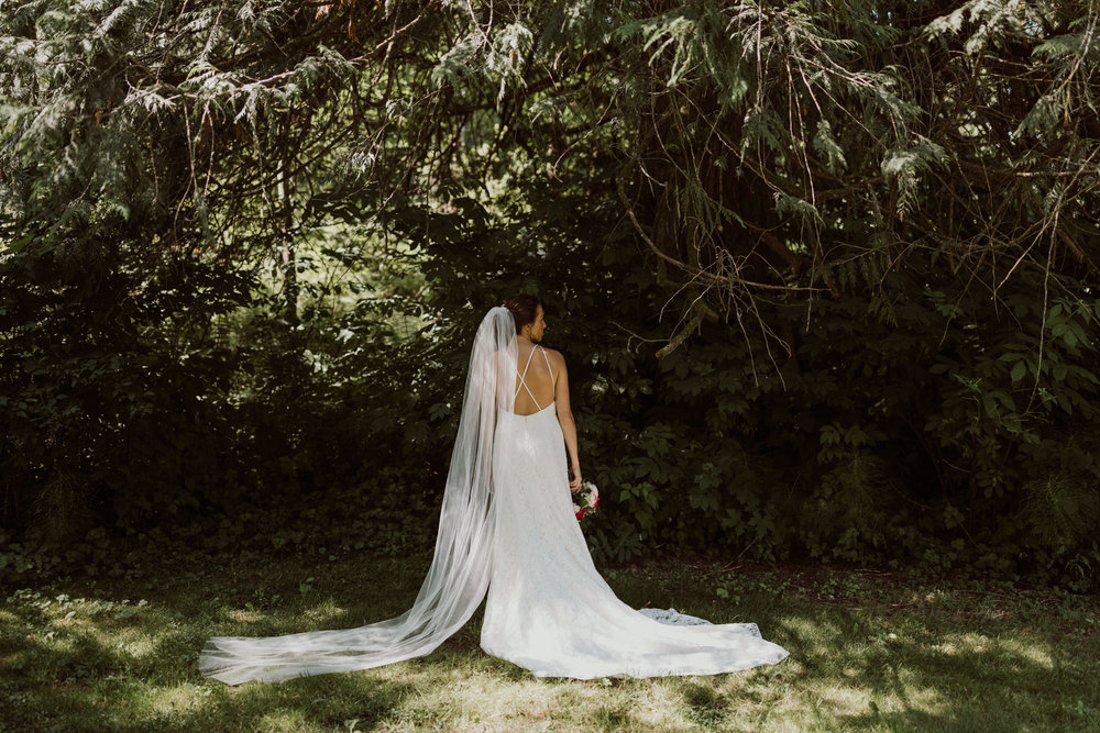 cedarandpines_washington-state-farm-wedding-10.jpg