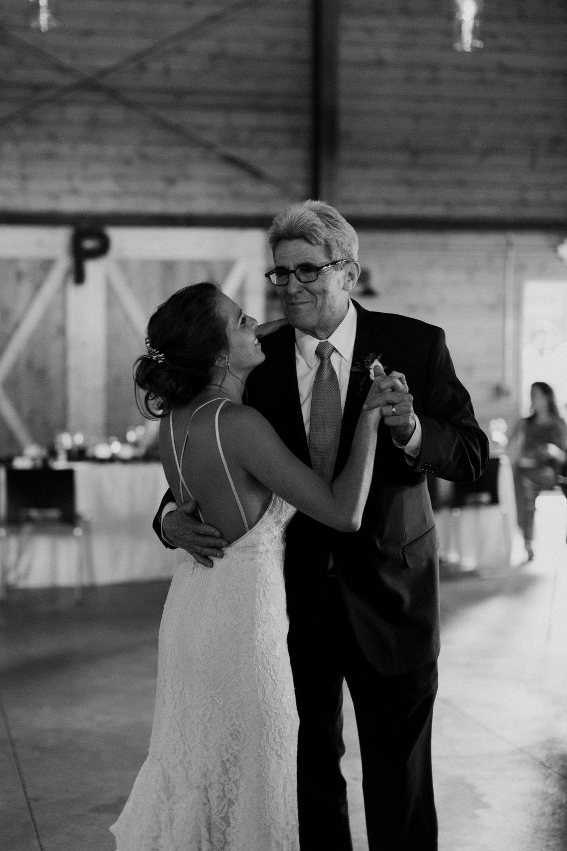 cedarandpines_washington-state-farm-wedding-27.jpg
