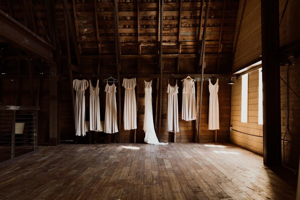 marionfield-farm-washington-barn-wedding-2.jpg