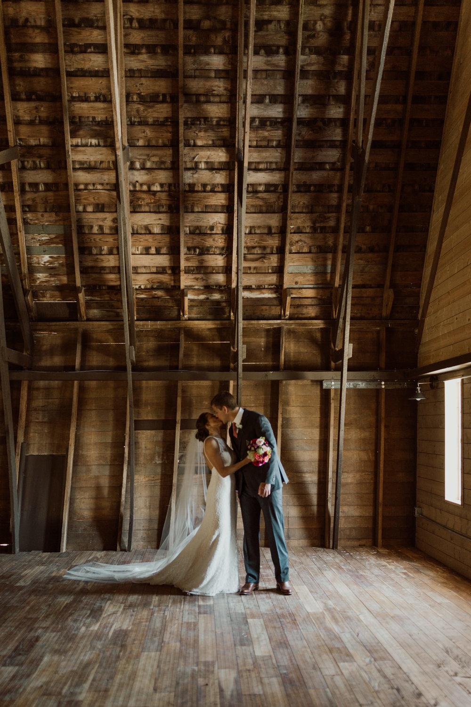 marionfield-farm-washington-barn-wedding-20.jpg
