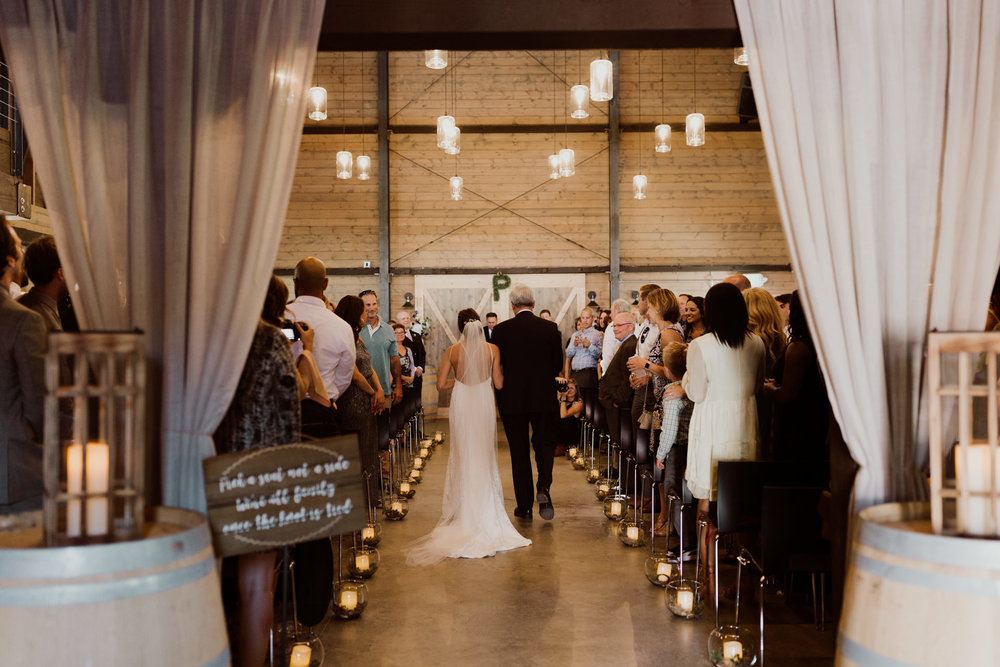 marionfield-farm-washington-barn-wedding-30.jpg