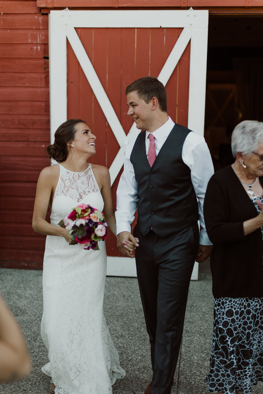 marionfield-farm-washington-barn-wedding-39.jpg
