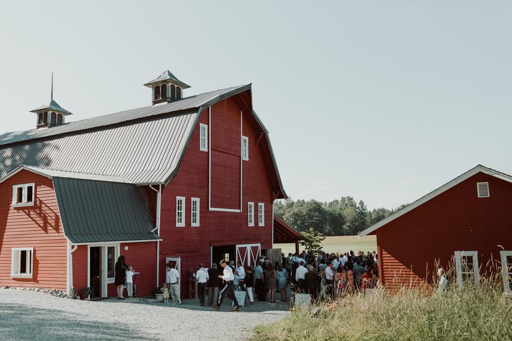 marionfield-farm-washington-barn-wedding-41.jpg