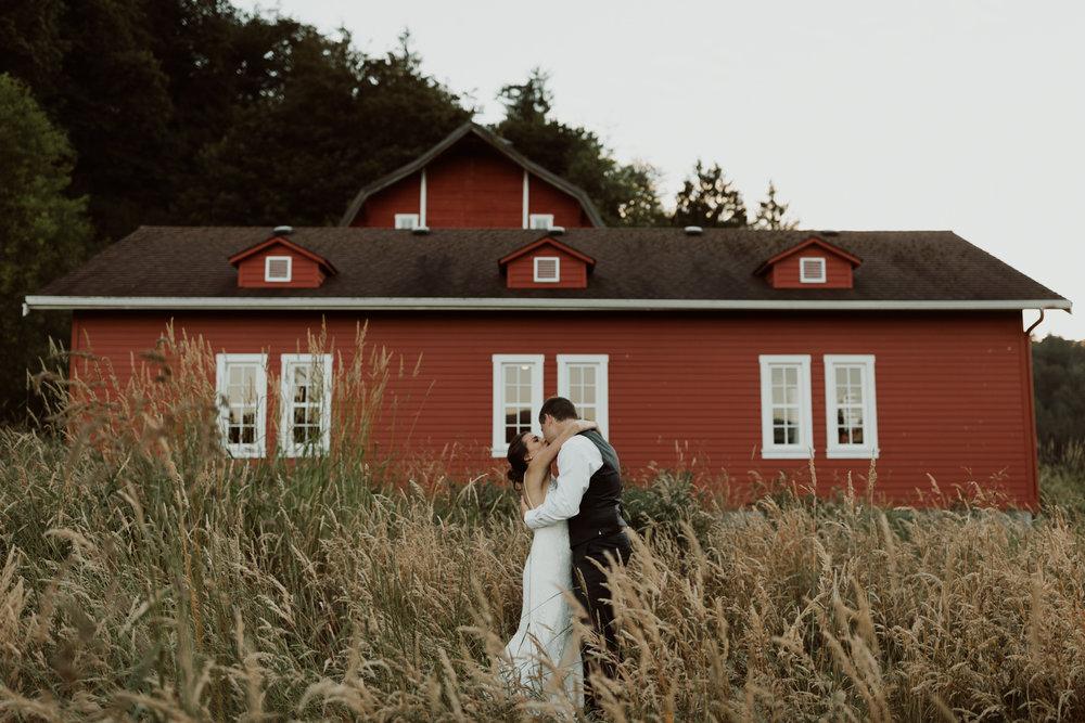marionfield-farm-washington-barn-wedding-76.jpg
