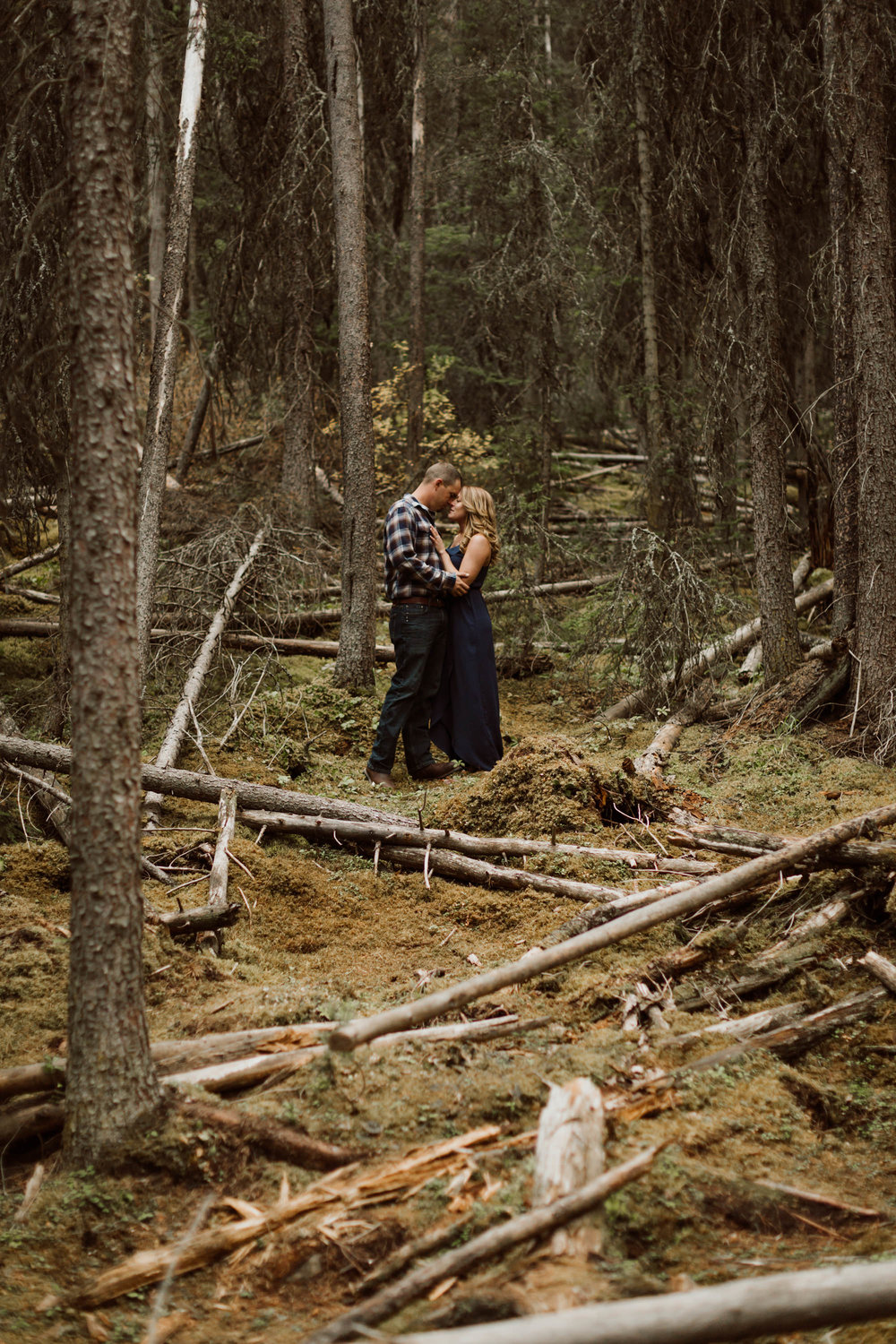 banff-engagements-destination-wedding-photographer-35.jpg