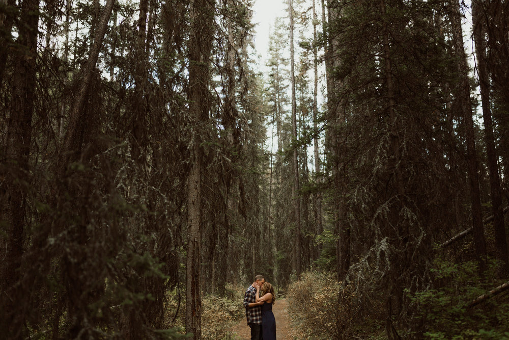 banff-engagements-destination-wedding-photographer-38.jpg