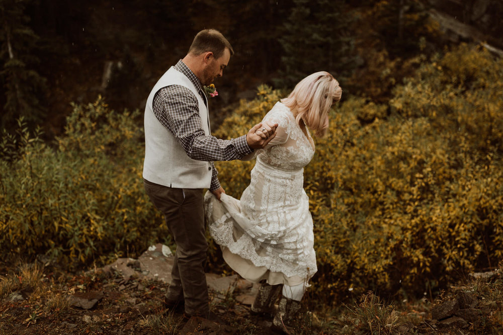 colorado-elopement-photographer-puente-cabin-60.jpg