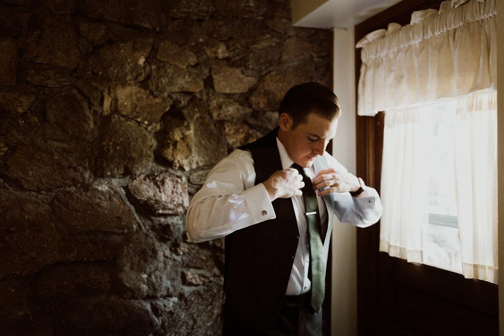 intimate-colorado-fall-wedding-4.jpg