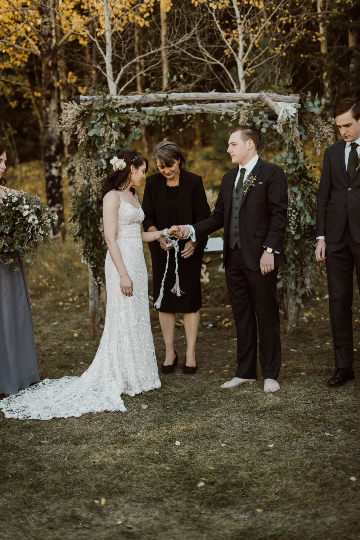 intimate-colorado-fall-wedding-38.jpg