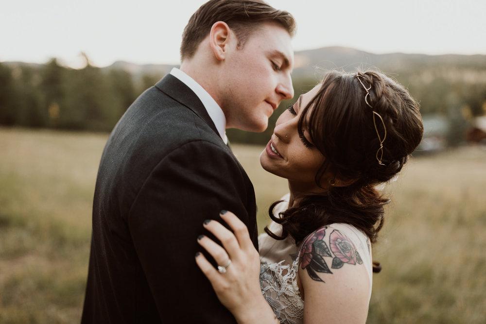 intimate-colorado-fall-wedding-64.jpg