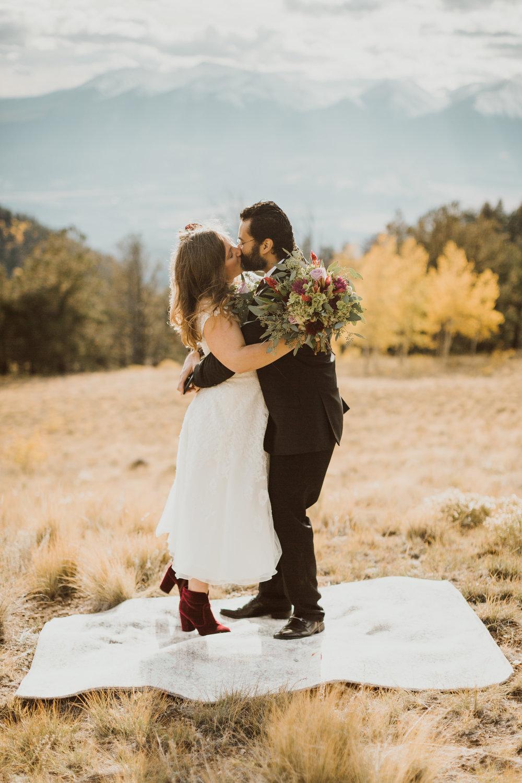 colorado-elopement-photographer-buena-vista-23.jpg