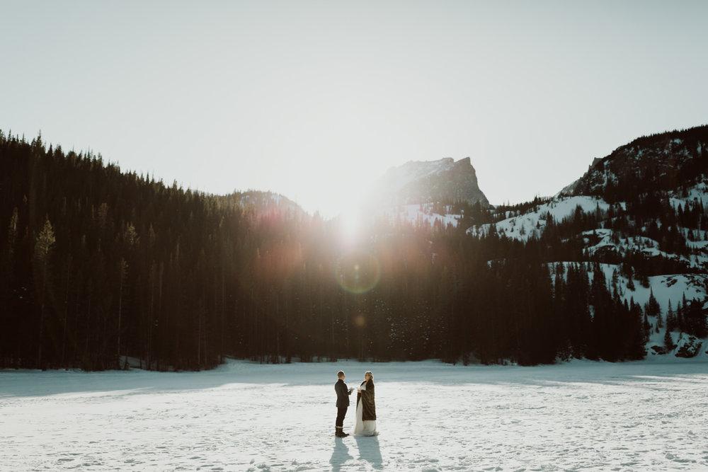 frozen-lake-colorado-elopement-photographer-6.jpg