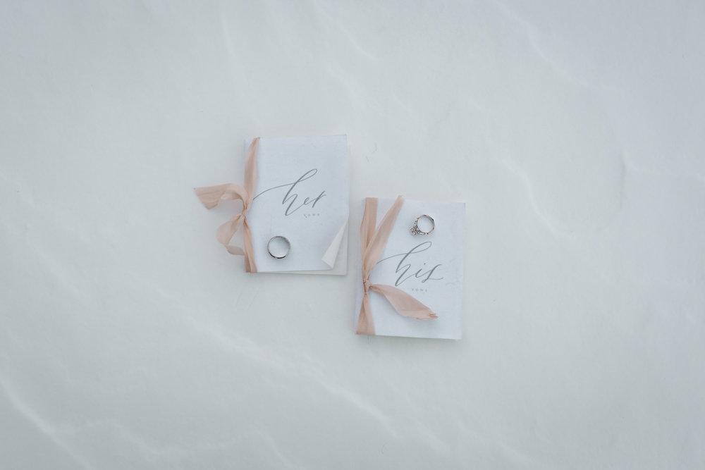 frozen-lake-colorado-elopement-photographer-14.jpg