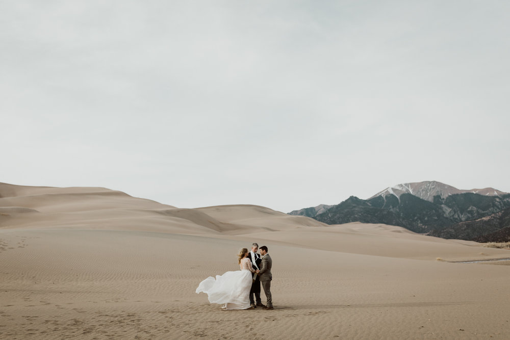 great-sand-dunes-national-park-elopement-13.jpg