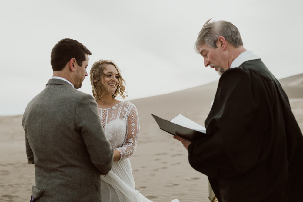 great-sand-dunes-national-park-elopement-15.jpg