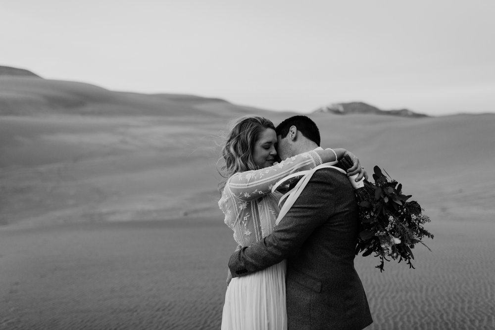 great-sand-dunes-national-park-elopement-24.jpg