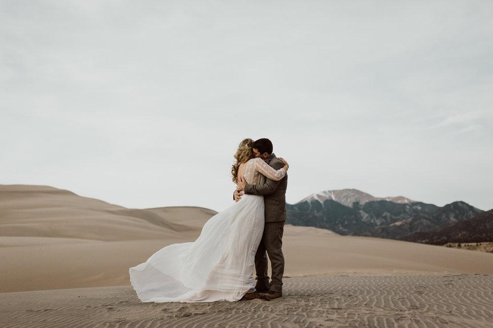 great-sand-dunes-elopement-45.jpg